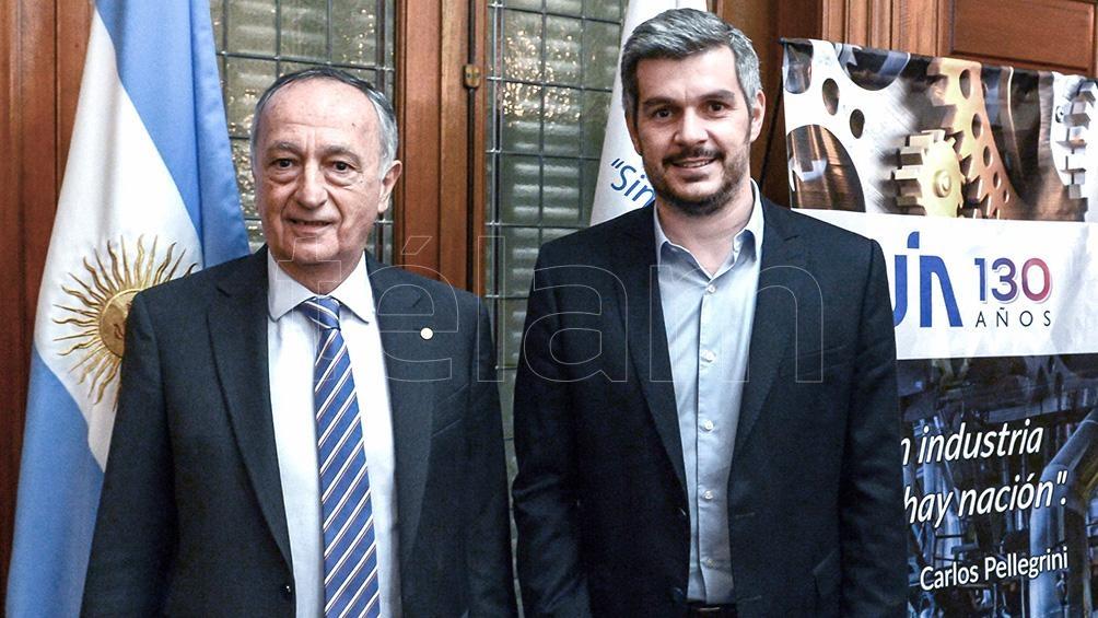 Foto de archivo: el Titular de la UIA, Miguel Acevedo,  y el jefe de Gabinete, Marcos Peña.