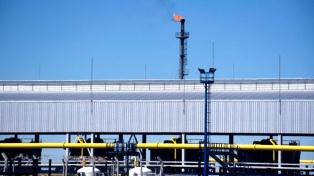 El gobernador firmó con YPF y Petrolera Pampa un nuevo acuerdo por U$S 150 millones