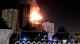 Se incendió un famoso rascacielos de Dubai