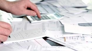 Se gastan 477 dólares al mes en servicios para el hogar