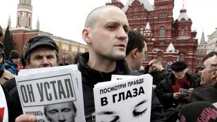 El opositor ruso Serguei Udaltsov salió en libertad luego de cumplir su condena