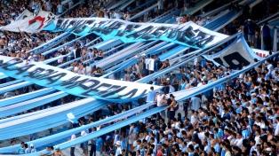 Suspendieron el partido entre Racing y Mitre de Santiago tras una pelea entre barras