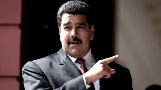 """Maduro afirma que EE.UU. """"ha pateado"""" cualquier intento de diálogo"""