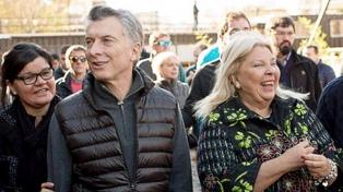 """Macri cierra la campaña de """"Vamos Juntos"""" en Ferro"""