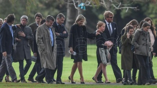 La familia real de Holanda despide los restos de Jorge Zorreguieta