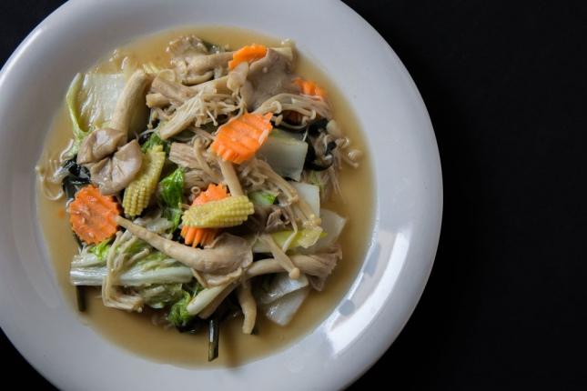 Cinco recetas con kale la hortaliza s per nutritiva que for Cocinar kale sarten