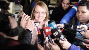 Alicia Kirchner llamó a valorar los 34 años de democracia