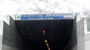 El túnel Cristo Redentor se abrió este jueves normalmente y estudian extender su horario invernal