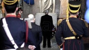 Mike Pence rindió un homenaje al General San Martín
