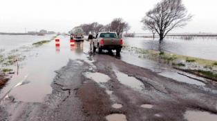 Las rutas nacionales 188 y 5 permanecerán cortadas por las inundaciones