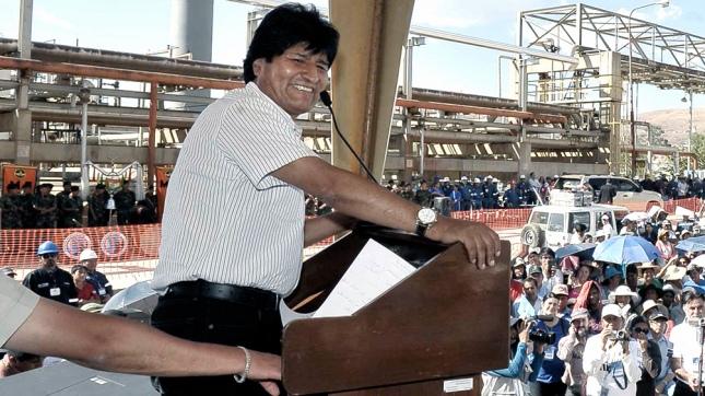 Evo Morales amenaza con expulsar a encargado de negocios de EEUU