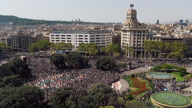 Rajoy decretó tres días de luto oficial por el ataque en Barcelona