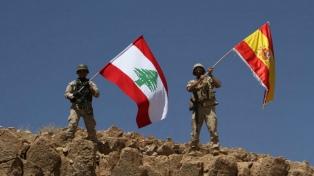 El Ejército libanés iza la bandera de España en una colina conquistada al ISIS