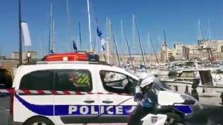 La policía mató a un atacante tras apuñalar a dos personas en Marsella
