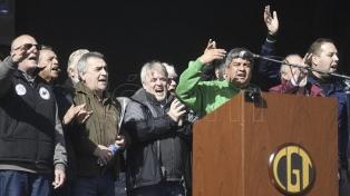 Con presencia moyanista y notorias ausencias, la marcha de la CGT no pudo disimular sus internas