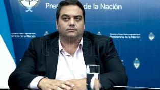 """Triaca apuntó contra la """"intencionalidad política"""" de las críticas a las reformas"""