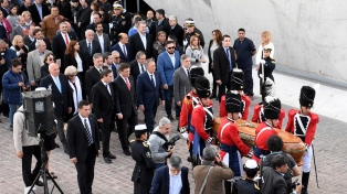 Despiden los restos del ex gobernador Angeloz con un funeral de Estado