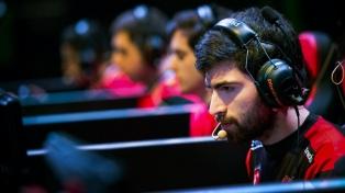 """Así es el día a día de Nicolás """"Fix"""" Sayago, un gamer argentino que jugará el mundial de League of Legends"""