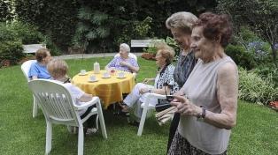 Lanzaron un programa turístico para adultos mayores