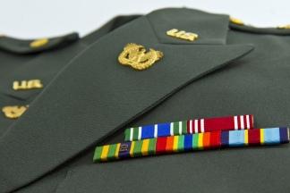Resultado de imagen para El Ejército de EEUU desarrolló un abrigo que calienta con nanocables