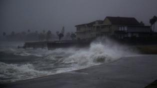 """Alerta en Texas por la llegada del huracán """"Harvey"""""""