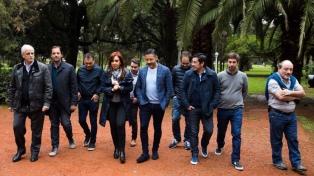 Cristina Kirchner se reunió con intendentes de la primera sección para diseñar la estrategia para octubre