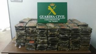 Detuvieron en Canarias a un argentino, acusado de llevar 470 kilos de cocaína