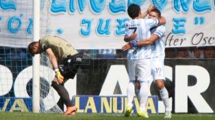 Atlético Tucumán venció a Godoy Cruz en el inicio del torneo