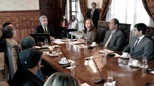 Las delegaciones del Gobierno y la guerrilla del ELN se reunieron con Lenín Moreno