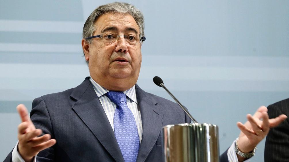 El ministro del interior espa ol dice que eta deber pagar for Ministro del interior espanol