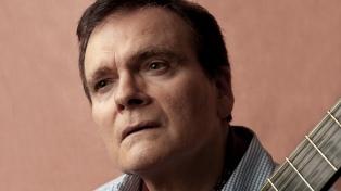 """Con 45 años en la guitarra, Javier Peñoñori asegura que """"el estilo en el instrumento es como el ADN"""""""