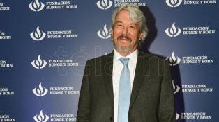 Carlos Balseiro, investigador CNEA y el Conicet, recibió el premio Bunge y Born en Física