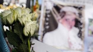 Sin actos oficiales, el Reino Unido recuerda el 20 aniversario de la muerte de Lady Diana
