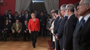 Bachelet cambió a sus ministros de Hacienda y Economía