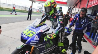 Rossi fue dado de alta tras una cirugía en la pierna derecha