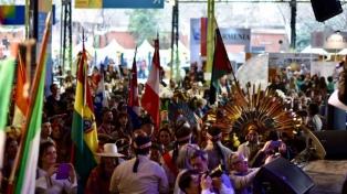 Con miles de visitantes comenzó Expo Colectividades 2017