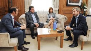 Frigerio y Bullrich se reunieron  con los gobernadores patagónicos por el caso Maldonado