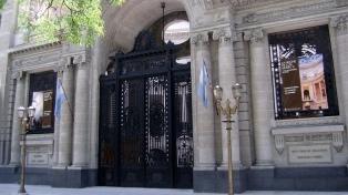 Cancillería dispuso el regreso al país de dos embajadores ante el Reino Unido y Ginebra