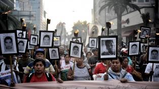 Mexicanos en Argentina exigen justicia a 5 años de Ayotzinapa