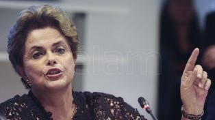 Rousseff también discrepa con Macron sobre la internacionalización del Amazonas