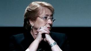 Bachelet busca eliminar el indulto a condenados por violar Derechos Humanos