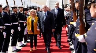 Netanyahu llegó al país para iniciar la primera visita de un primer ministro israelí a la Argentina