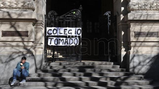 Padres de alumna del Nacional Buenos Aires radicaron denuncia por abuso