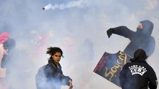 Protestas en todo el país y disturbios en París por la reforma laboral que impulsa Macron