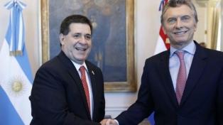 Macri y Cartes firmaron un acuerdo sobre transporte y hablaron de la organización tripartita del Mundial 2030