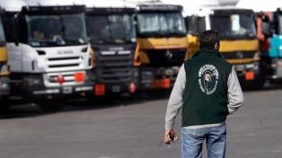 Camioneros ratificó la continuidad del paro en las plantas de distribución de Coca Cola
