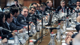 """Dujovne calificó de """"revolucionario"""" el proyecto de Responsabilidad fiscal"""