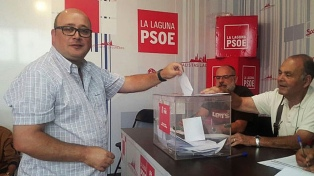 Un miembro del PSOE, suspendido por enviar mensajes machistas y sexuales a su partido