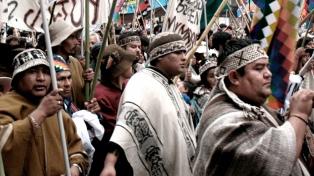Los pueblos originarios advierten por múltiples desalojos