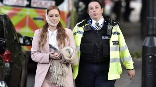 """Una explosión en el subte de Londres dejó 22 heridos y la investigan como """"acto terrorista"""""""